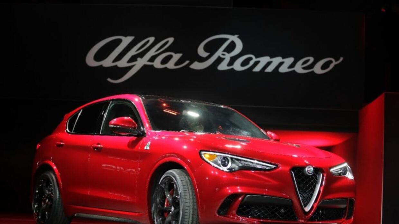 Alfa Romeo Stelvio 2018 en el Auto Show de LA 2016