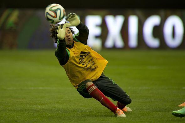 Memo Ochoa, será titular, este es el único partido al que podrá asistir...