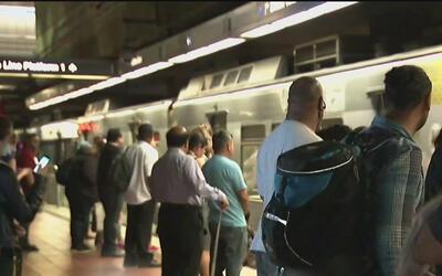 Se proponen mejorar la conducta de los pasajeros en las líneas del metro