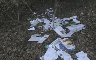 Investigan a trabajador del servicio postal responsable de arrojar cient...