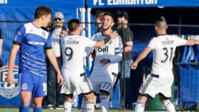 Vancouver Whitecaps celebra triunfo ante el Edmonton