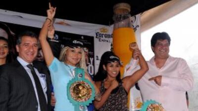 Mariana y Arely listas para la pelea (Foto: HG Boxing)