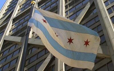 Celebran el centenario de la bandera de Chicago en el Museo de Historia