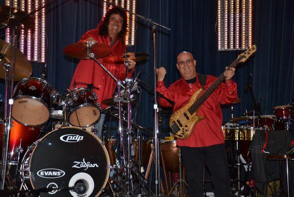 Los muchachos de la banda, ¡listos para musicalizar todo el show!