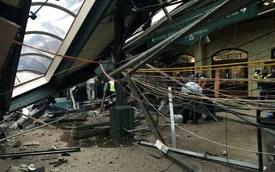Dos funcionarios federales dicen que operador del tren que chocó en Hobo...