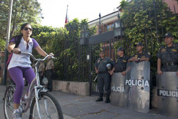 Ciudadanos de ambos países viajan libremente entre Arica y Tacna, en Per...