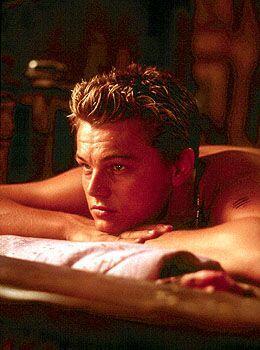 DiCaprio enamoró a la muchachada con su participación en 'The Beach'.  ¿...