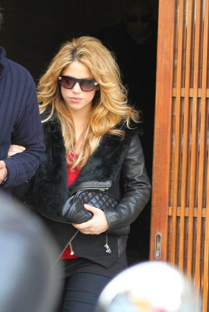Shakira es una mujer latina que sabe bien cómo sacar provecho de su bell...