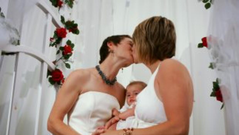 Un juez del condado de Monroe está permitiendo que parejas del mismo sex...