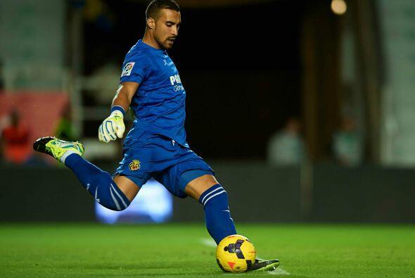 El arquero del Villarreal Sergio Ansejo se coloca en la novena posici&oa...