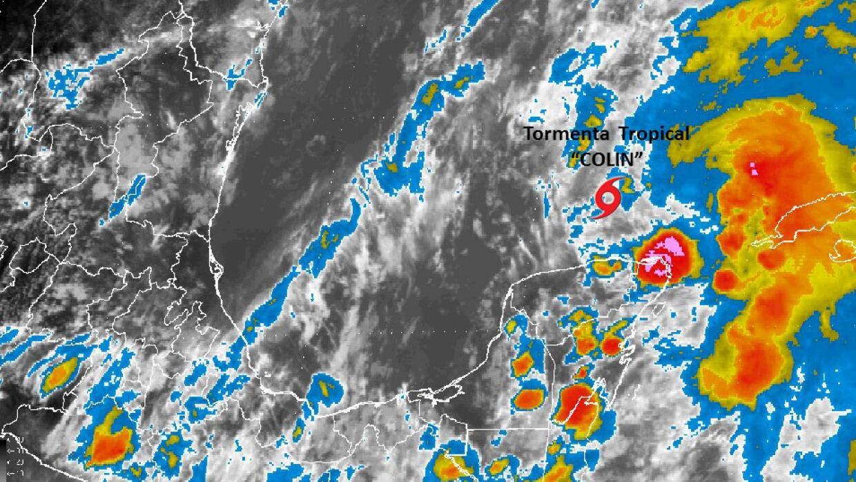 La tormenta tropical Colin, afectando el Atlántico entre la península de...