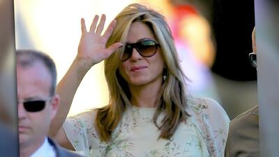 Jennifer Aniston se pone glamorosa