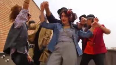 Los jóvenes ahora condenados bailaban juntos en el video que tuvo un gra...