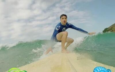 Las mejores caídas de William al intentar surfear en Brasil