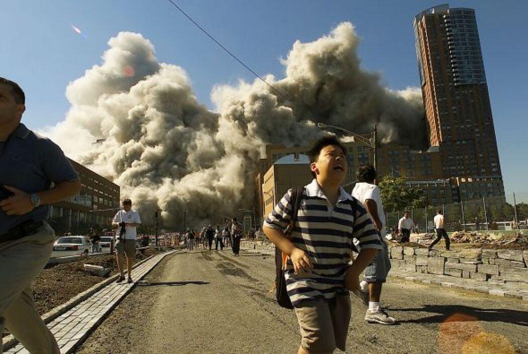 La segunda Torre, la Norte, se desplomó a las 10:28. Manhattan se llenó...