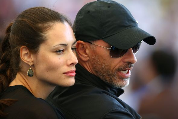 Y es que está con su amor, Marica Pellegrini. Mira aquí los videos más c...