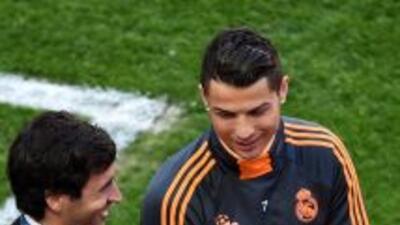 Raúl bromeó con Cristiano Ronaldo e Iker Casillas en la práctica del Rea...