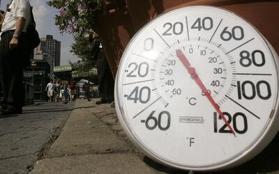 En un Minuto: Estados Unidos vive esta semana una de las olas de calor m...