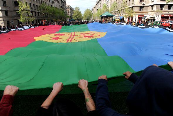 Llegaron a la capital chilena de las madres mapuches que, lideradas por...