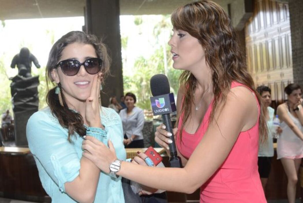 """La actriz de """"Corona de lágrimas"""" llegó directito del aeropuerto para po..."""