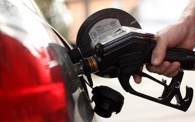 Los precios del combustible aumentan en Texas de cara al Memorial Weekend