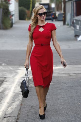 Un modelo discreto, rojo carmín y muy dulce, sin duda, perfecto para cau...
