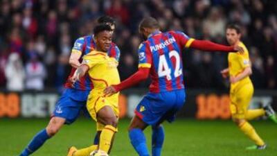 Liverpool jugo de amarillo y cayó ante el Crystal Palace.