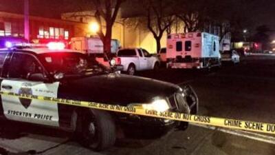 Hombre, supuestamente armado, se atrincheró en el cuarto de un hotel de...