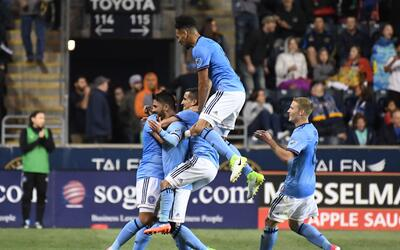 David Villa celebra golazo de media cancha NYCFC v Philadelphia