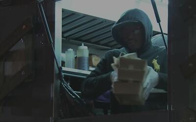 Cientos de personas sin gas en sus apartamentos recibieron alimentos en...