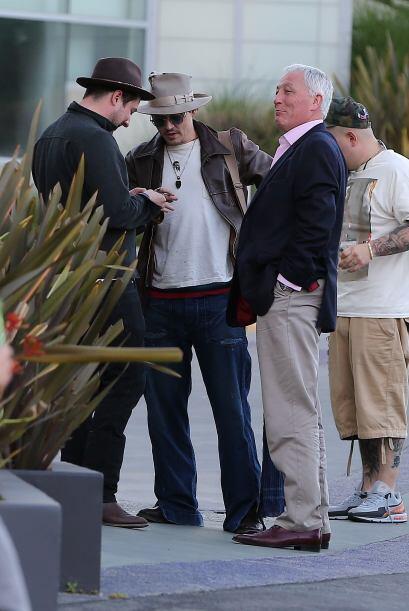 Mira más fotos del anillo de compromiso de Johnny Depp.Mira aqu&i...