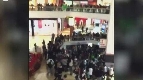 Cientos de jóvenes desataron peleas y generaron caos en seis centros com...