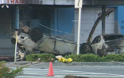 Un hombre quedó atrapado en un vehículo tras choque contra el auto de un...