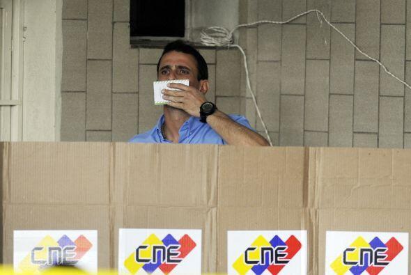 Capriles, de 40 años, había perdido las presidenciales con...