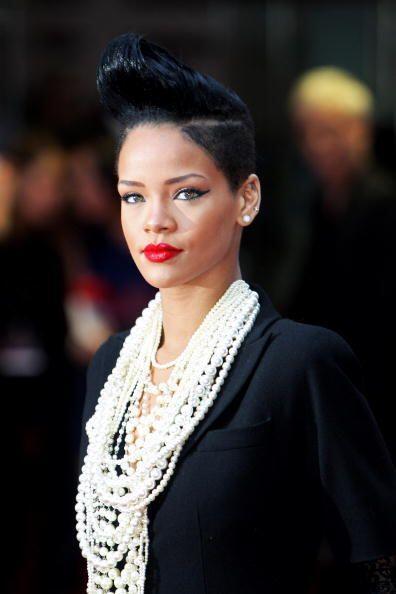 Rihanna también se ha encargado de lucir fabulosa con poca melena...
