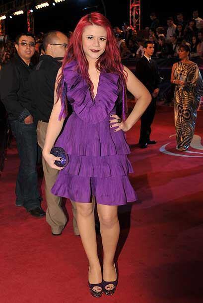 El vestido no nos fascina pero no lo objetamos tanto como al pelo, despe...