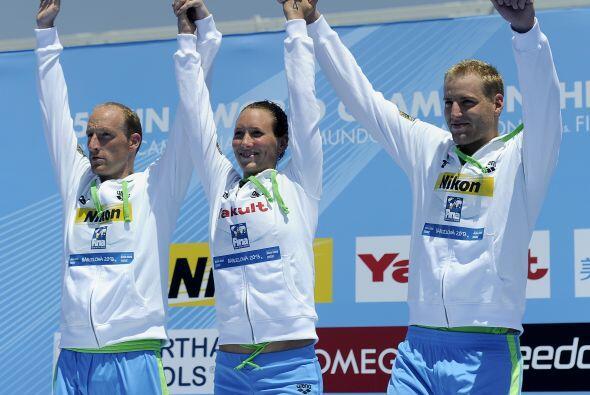 Alemania se llevó el oro en los 5km. por equipos mixto en Aguas Abiertas.