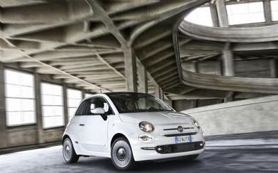 La firma italiana presentó a la última generación del Fiat 500. Ocho año...
