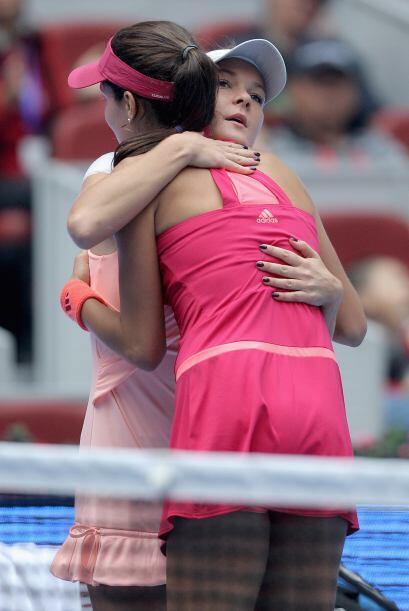 Las tenistas se abrazaron como muestra de solidaridad.