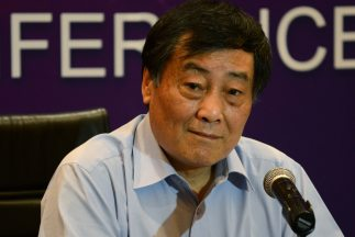 Yang buscó al magnate Zong Qinghou después de ver un programa en el que...