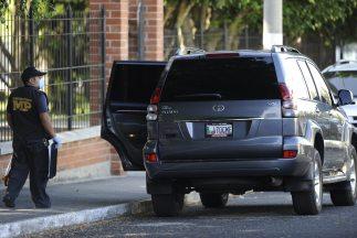 Cuatro mujeres y un hombre fueron asesinados a tiros por desconocidos en...