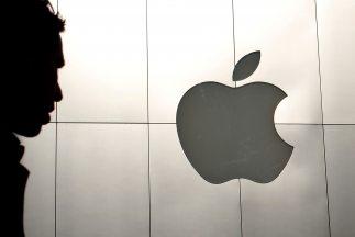 Apenas a mediados del año pasado el valor de la acción de Apple superó l...