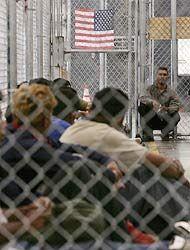 Datos de la ley antiinmigrante de Arizona que criminalizó la estadía ind...