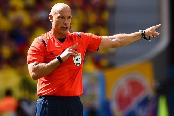 La Premier League informó en un comunicado que Webb colgará el silbato t...