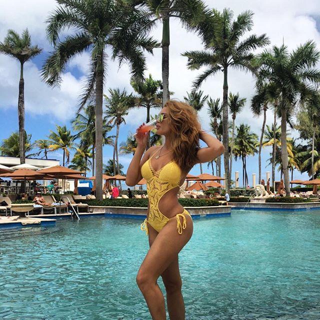 #WCW Zuleyka Rivera La Más 'hot' En Bikini