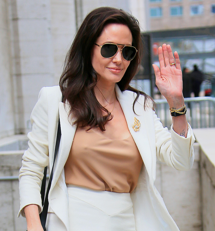 Angelina Jolie Se Muda A Una Nueva Casa Con Dos Piscinas