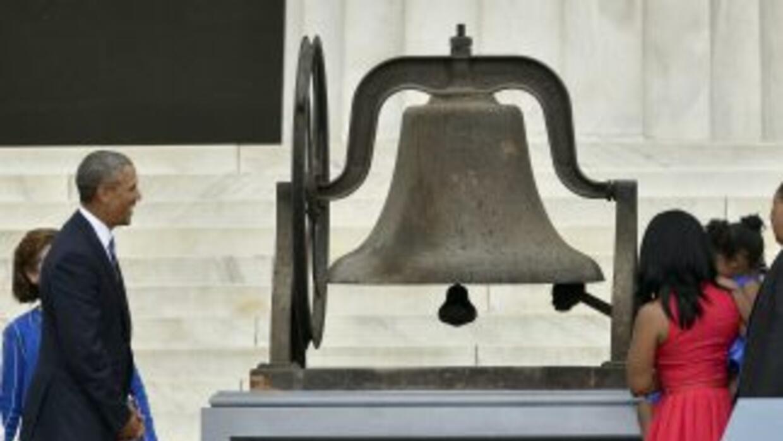 Cientos de campanas sonaron a la misma hora en que el activista pronunci...