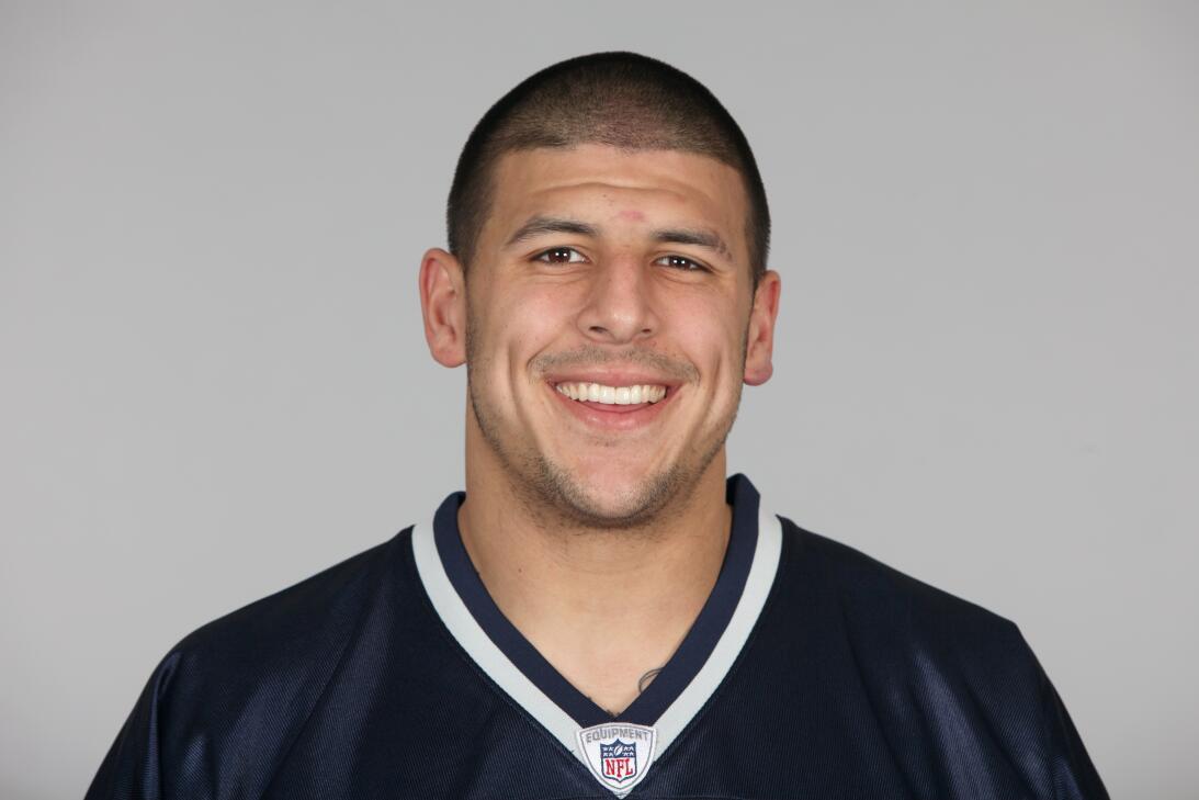 Aaron Hernandez tenía una prometedora carrera deportiva antes de recibir...