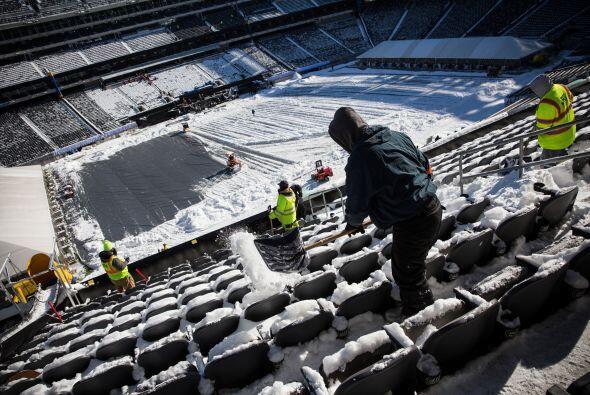 Así lucía cubierto por la nieve el estadio Metlife, el cual será sede de...