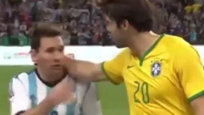 Messi 'despreció' a Kaká tras el amistoso de sus selecciones.